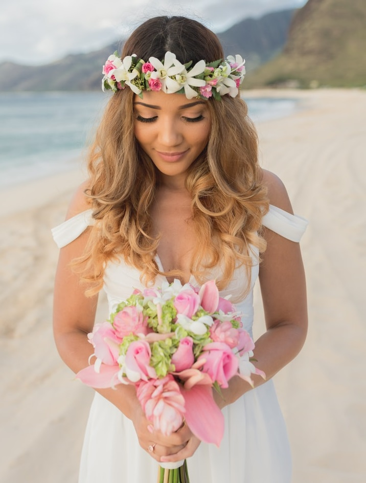 hairstyles for beach weddings